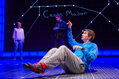 Lucianne McEvoy (Siobhan), David Michaels (Ed) Scott Reid (Christopher Boone) NT Curious Incident Tour 2017. Photo by BrinkhoffM+Âgenburg