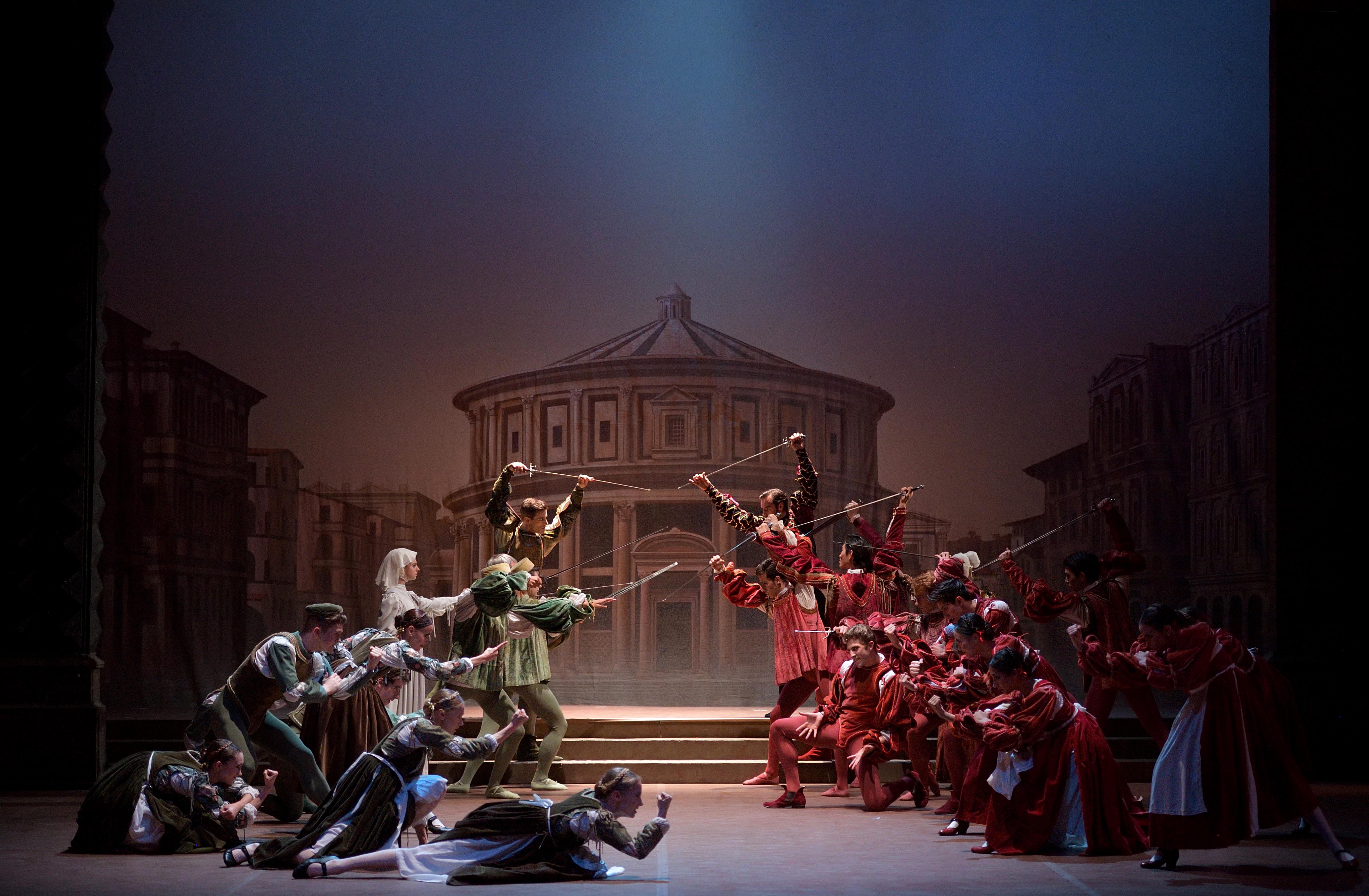 English National Ballet dancers in Romeo & Juliet -® Laurent Liotardo (1)