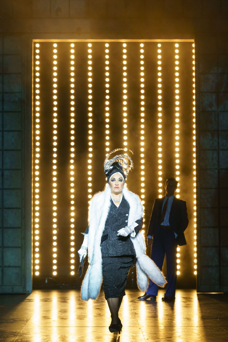 SUNSET BOULEVARD. Ria Jones 'Norma Desmond'. Photo Manuel Harlan (2)