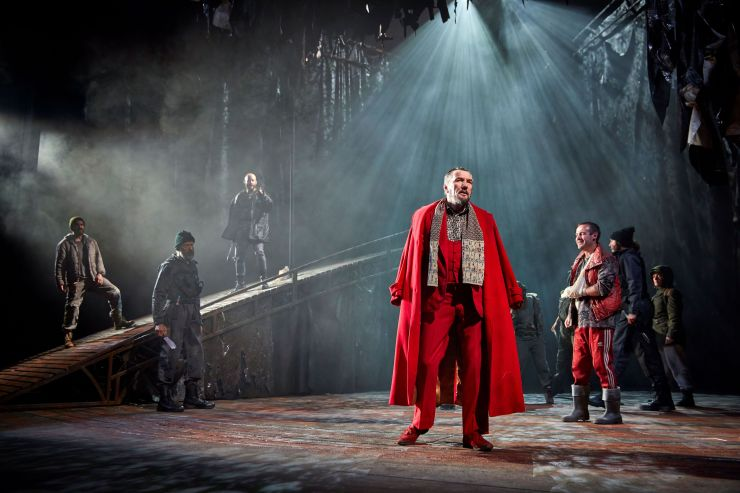 NT's production of Macbeth - Tom Mannion Joseph Brown and the cast of Macbeth -- Credit BrinkhoffMogenburg