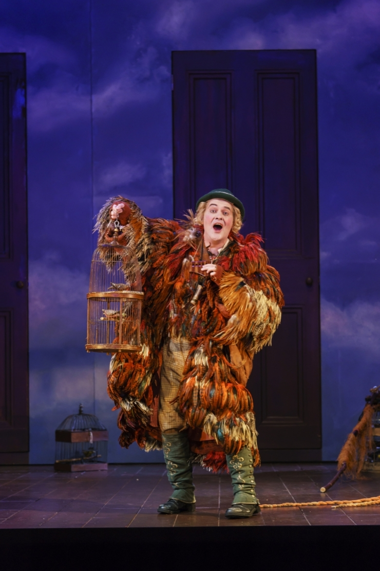 WNO-The-Magic-Flute-Mark-Stone-Papageno.-Photo-credit-Bill-Cooper-0076_3370a540f391115c933fbe6a89e5fd07